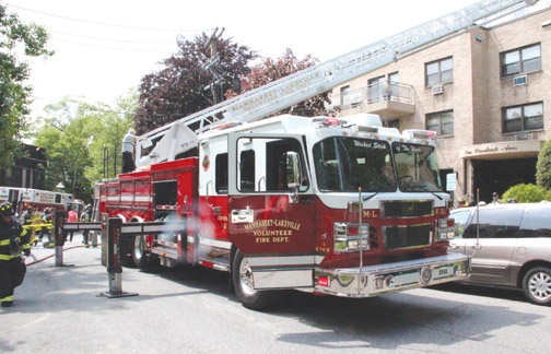 Manhasset Lakeville Apartment Fire Firenews Com
