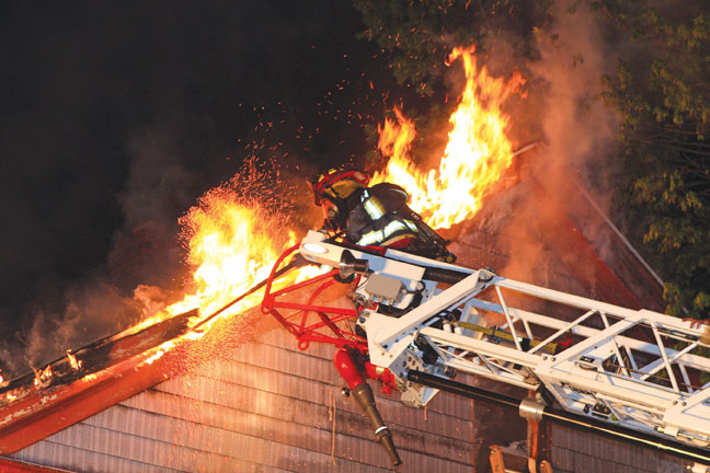 Danielson Tackles Apt. House Blaze