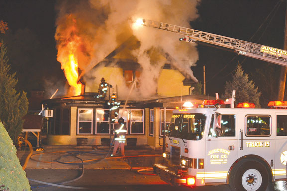 Restaurant Destroyed in Lewistown