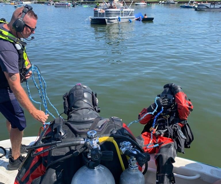 DIVE TEAM GOES TO WORK