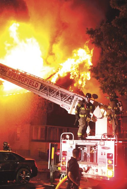 Fire Extends in Springfield Leaves 12 Homeless