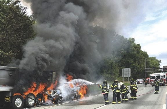 2 Dead in Fiery LIE MVA