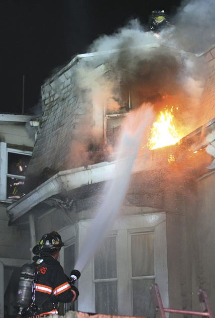 5 Families Displaced, 3 FFs Injured at Yonkers Blaze