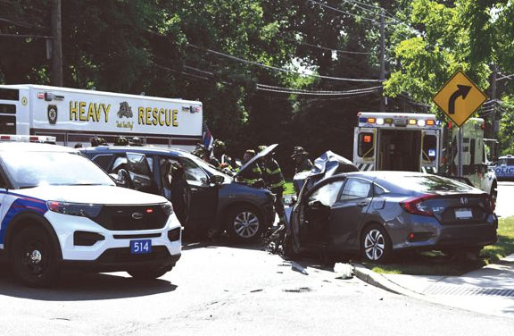 2 Injured in Hagerman MVA