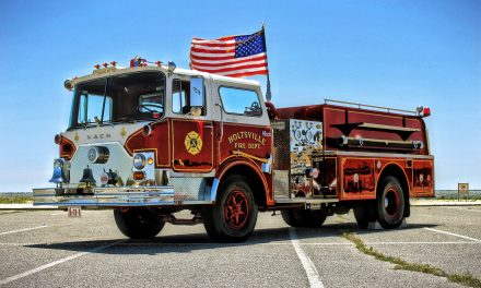HOLTSVILLE FIRE DEPARTMENT'S (NY) ANTIQUE MACK ENGINE