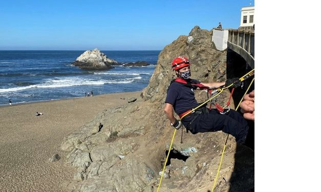 SAN FRANCISCO FIREFIGHTERS CONDUCT A CLIFF RESCUE DRILL