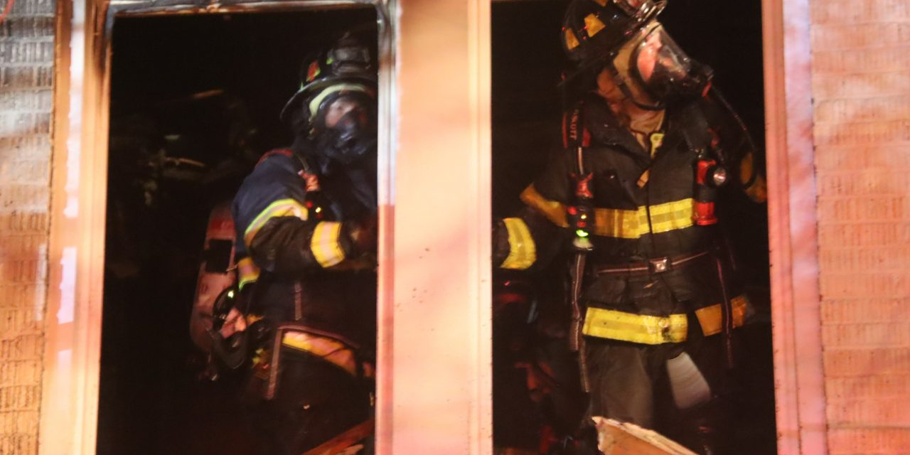 INDIANAPOLIS FIREFIGHTERS BATTLE EARLY MORNING APARTMENT FIRE