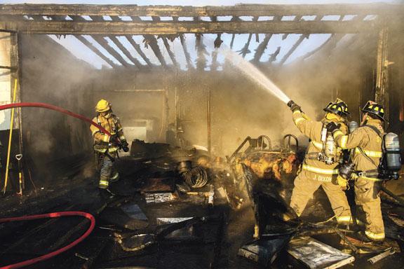 Rotterdam Crash Destroys Garage