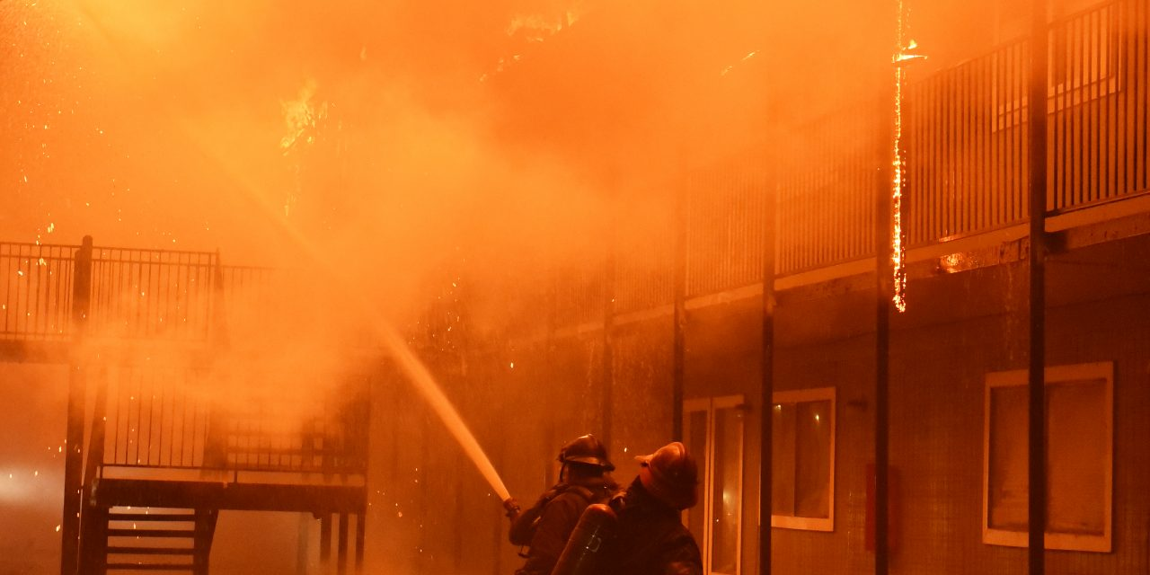 LOUISIANA FIREFIGHTERS BATTLE MASSIVE 4-ALARM BLAZE