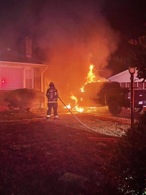 SUFFOLK (VA) BLAZE DISPLACES FAMILY OF THREE