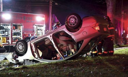 2 Hurt in Garden City Overturn