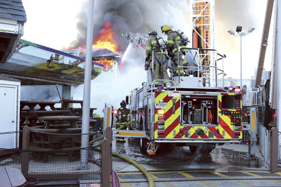 Castaway Cove 4-Alarm Fire Contained