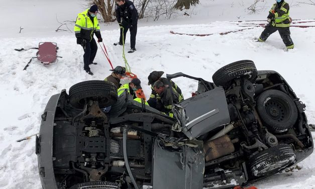 AURORA (IL) FIREFIGHTERS EXTRICATE TRAPPED DRIVER