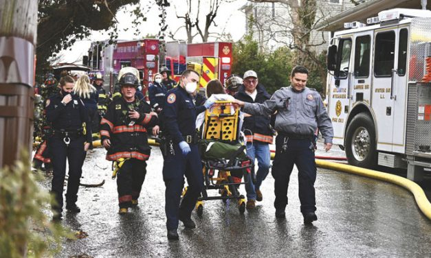 2 Injured at Oyster Bay Fire