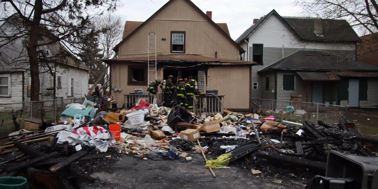 DOUBLE RESIDENCE FIRE DISPLACES 9 RESIDENTS