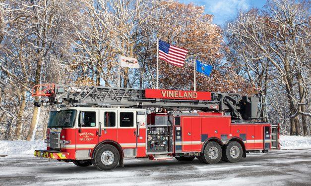 VINELAND (NJ) TAKES DELIVERY OF NEW PIERCE ENGINE