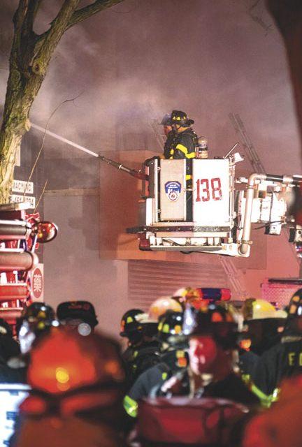 7 FFs Hurt at Queens 7-Alarmer