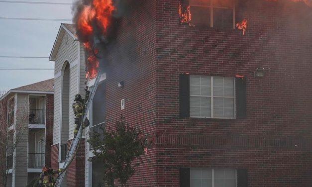 FIREFIGHTERS BATTLE 2-ALARM APARTMENT BLAZE IN HOUSTON