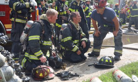 MULTIPLE OCCUPANTS DISPLACED AFTER INDIANAPOLIS (IN) STRUCTURE FIRE
