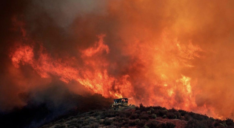 FIREFIGHTERS WORK TO CONTAIN BLAZE NEAR CASTAIC (CA)