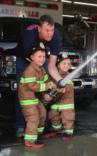 A FEW VISITORS FOR THE HARRISVILLE FIRE DEPARTMENT (OH)
